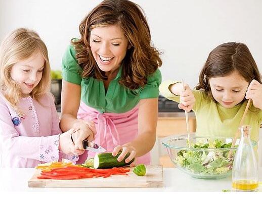Trẻ hết biếng ăn khi áp dụng những cách dạy con của người Nhật