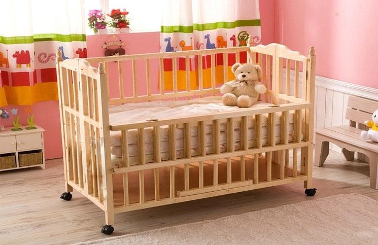 Lý do vì sao các bà mẹ nên sử dụng cũi gỗ cho em bé?