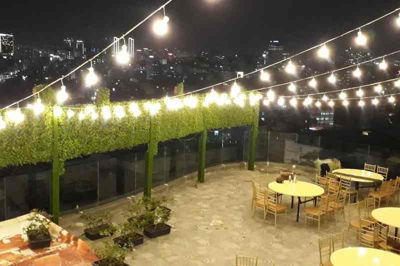 Những Tips trang trí sân thượng bằng đèn lung linh, huyền ảo