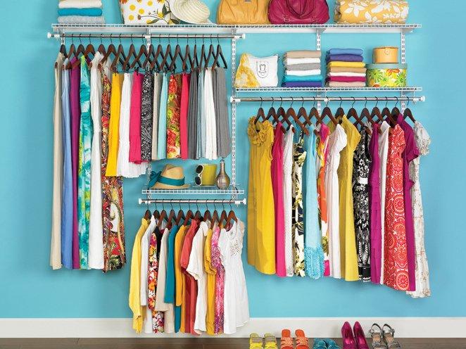 """10 cách sắp xếp quần áo cực hay giúp """"giải cứu"""" ngay tủ đồ bừa bộn"""